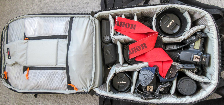Der komplett gepackte Rucksack innen